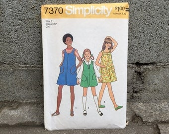 """70's Simplicity 7370 Pattern // Girls' and Chubbies' Dress or Jumper // Girl Size 7 Breast 26"""""""
