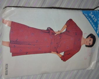 See & Sew 5428  MIsses Top and SKirt Sewing PAttern - UNCUT - Sizes 8 10 12 14 16