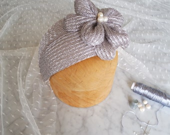 Bridal headpiece in grey / Vintage style /Straw hat /Wedding hat /Millinery hat /Casque hat /Flower hat / Derby fascinator