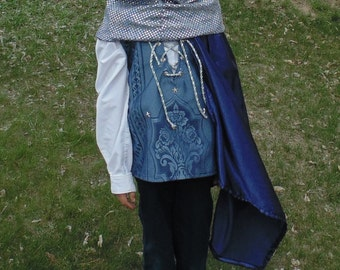 Boys 5-7 adjustable Blue and Silver Prince with cape