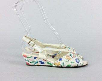 80s Floral Summer Wedge Heels / 1980s Vintage Sandals Shoes / Size 6