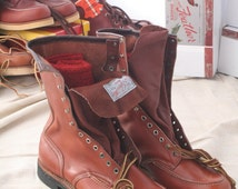 Vintage 1940s1950s 40s 50s nos Chippewa Fin and Feather leather moc toe logger work boots Made in USA