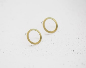 Small Simple Infinity Circle Brass Studs