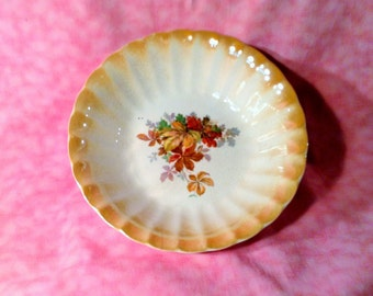 Homer Laughlin Serving Bowl - Fall or Autumn Leaves - Scalloped Trim with Iridescent Orange - Vegetable Bowl
