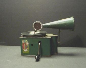 REDUCED 40% ~ 1930 Genola Toy Victrola, Elyria, Ohio with 15 rare Records