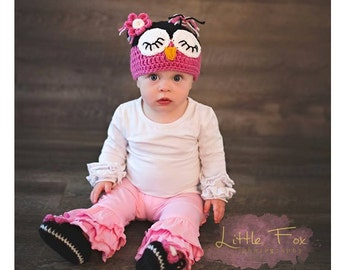Owl beanie set. Crochet Owl Beanie with matching booties. Sleepy Owl Hat. Girl booties with flower. Photo Prop set. Handmade to order.