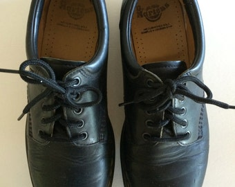 Vintage Dr. Martens Shoes Tie Bucks - Black Leather w Smooth Patina -  10 UK - US 11  - EU  45