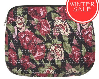 WINTER SALE - Laptop Sleeve 8 - Red Rose Flower Pattern with Black Background