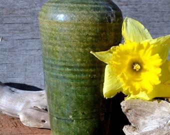 Vintage pottery vase/olive green//wheel thrown//Dimitry Varley