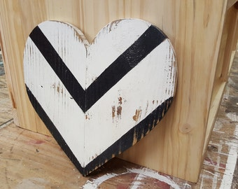 Wood Heart - Heart Art - Rustic Reclaimed Wood Heart Wall Hanging - Valentines gift - anniversary gift