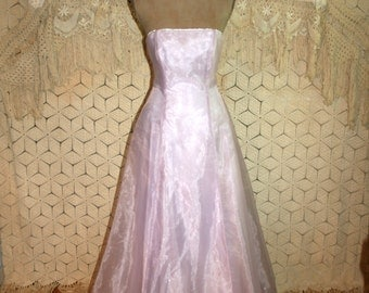 Vintage Prom Dress Strapless Formal Floor Length Gown Lace Up Back Train Lavender Formal Rhinestones Size 4 Dress Small Womens Clothing