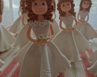 This beautiful hand made girl can be used as cake topper,party favor.