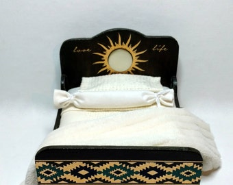 """Dollhouse 1"""" Scale bed Item #17400"""