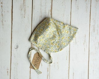 Girls Bonnet in Floral Print