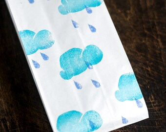 Cloud and raindrops stamp - white paper bags - set of 30 pcs merchandise bags/ wedding favor / eco friendly packaging - Rainy clouds & drops