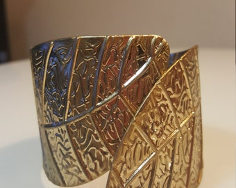 FREE  SHIPPING   Vintage Gold Clamp Bracelet