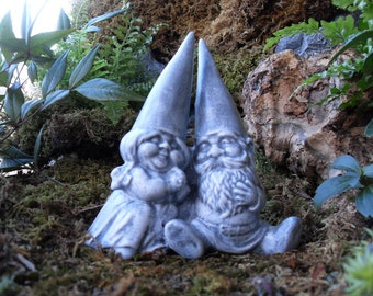 Wedding Gnomes,Gnome Couple,Gnome Statue,Garden Gnomes Statue,Gnome Couple Statue,Wedding Cake Topper,Traditonal Gnomes, Stone