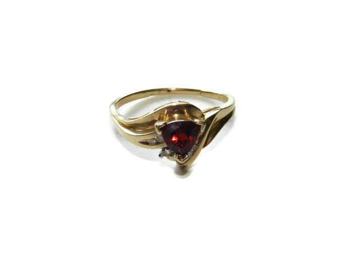 10K Gold 1K Garnet Ruby And Diamond Ring Size by MidWestMerMade