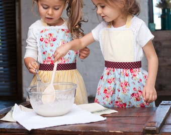 Kitchen Aprons for Kids, Toddler Aprons, Cute Kids Pinny, Cooking aprons set, Yellow Floral Pinny for Toddler, Kids Birthday Party Aprons