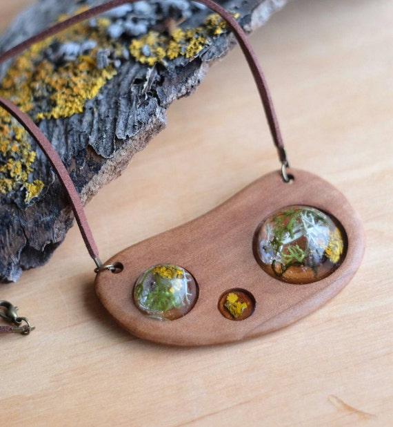 Wooden Forest Necklace Moss Lichen Terrarium Dried Flowers