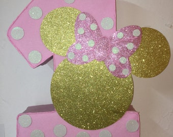 First birthday Minnie mouse pinata pink and gold . pink and gold Minnie mouse pinata. Minnie mouse birthday. Minnie mouse decoration.