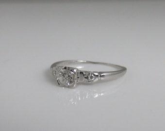 Antique Vintage 18k  Diamond Wedding Engagement Ring.