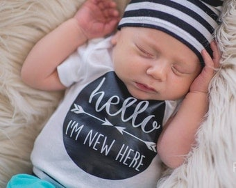 Hello I'm New Here Bodysuit - Arrow Bodysuit - Newborn Bodysuit - Boy Bodysuit - Newborn Outfit - Coming Home Outfit - Baby Shower Gift