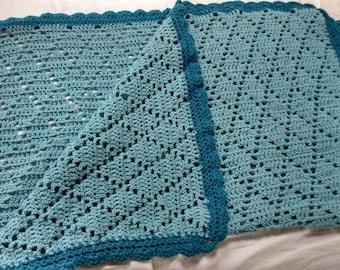 Diamond pattern baby/lap filet crochet blanket in storm blue
