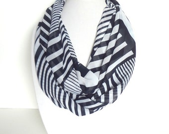 Nautical Scarves, Black & White Scarf, Striped Infinity scarf, Women's scarf, Summer Accessory, Ladies Scarves, Scarf Necklace