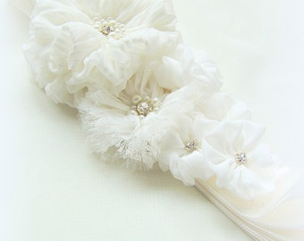 Bridal ivory sash, floral sash, flowers sash wedding floral rhinestone sash, ivory lace flower romantic wedding accessories lace
