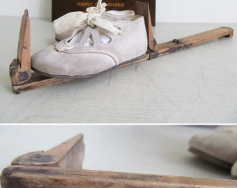 RARE antique Ullathorne & Co. boxwood/brass folding foot gauge/measure~c1890-1910~Shoe size guide~Quirky piece of department store history