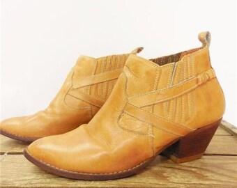 Wild Pair Vintage 1970s Tan Patina Leather Short Ankle Dress Boots Men 9 Brazil