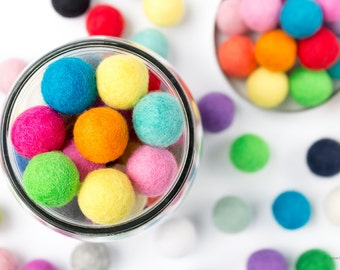 2.5cm Wool Felt Ball x 50 Multicolour. 25mm Felt Balls Mixed Colour. Wool. Pom Pom. Gumball. Beads. Wholesale. Bulk. Craft. Decoration. DIY.