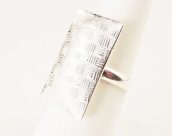 Size 8 Sterling Silver Large Weaved Pillow Face Ring