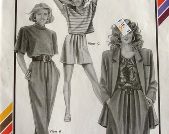 Pleated Shorts, Pleated Pants, Walking Shorts, Dress Slacks Pattern / Stretch Sew #787, Hip Sizes 32-48 UNCUT