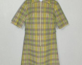 Vintage 1960s zip front yellow & grey striped aline dress // 60s short sleeve mod hippie large collar day dress M