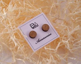 Oak veneered plywood earrings. Wooden earrings. Round studs. Stud earrings. Tiny earrings.
