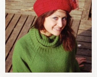 Bright red wool beret - head circumference between 54 and 60 cm