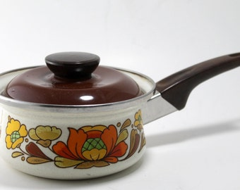 Vintage Sauce Pan, Retro Pot and Lid, Sanko Ware Pan, 1970's Country Flowers, Retro Cookware, Flower Power Hippie Cookware, Japan