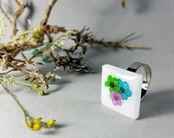 Real flower resin ring, Green flower, Pink flower, Blue flowers, Resin jewelry, Botanical ring, Pressed flower ring