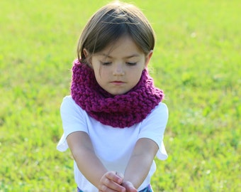 Girls Scarf, Kids Scarf, Crochet Cowl Scarf,Chunky Cowl Snood, Childrens Scarf, Fall Winter Accessories, Cerise