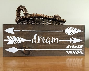 Flying Arrows Wall Decor - Dream Sign – Arrow Wall Decor - Wood Wall Decor - Rustic Wall Decor - Farmhouse Decor