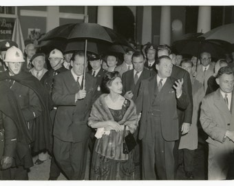 Princess Margaret, Countess of Snowdon visiting Expo 58 Brussels - original vintage press photo - British Royalty