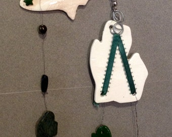 Michigan mobile, Michigan wind chime, indoor mobile, outdoor wind chime, ceramic wind chime, State of Michigan, Michigan stones