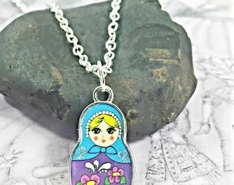 Russian Doll Necklace.Babushka Necklace.Nesting Doll Necklace.Matryoshka Pendant.Russian Doll Charm.Doll Necklace.Babushka Doll Charm