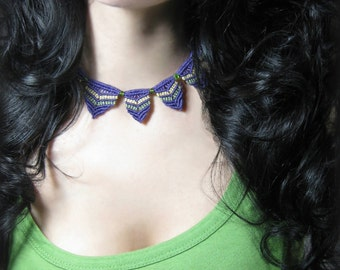 Macrame choker with glass beads