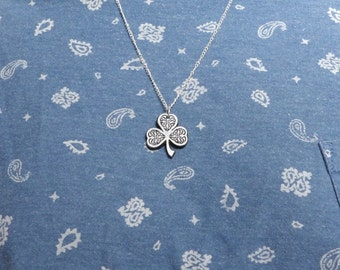 irish shamrock celtic pendant