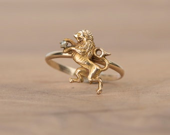 Wonderful Gold Lion Head with Pearl 10k Stick Pin Conversion Ring