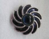Vintage Avon Brooch & Scarf Clip Pinwheel Blue stone enamel Jewellery collectables modern