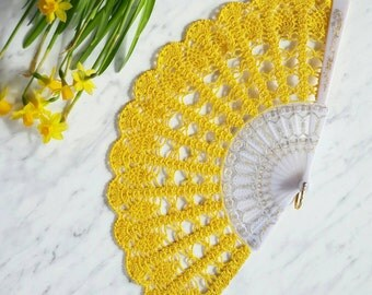 Hand Fan- Yellow Hand Held Fan- Bridal Bouquet Alternative- Lace Fan- Folding Hand Fan- Spanish Wedding Fan- Bridal Fan- Spring Wedding Prop
